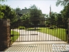 DRIVEWAY-GATE-SINGLE-ARCH-CIRCLES-ALONG-ARCH