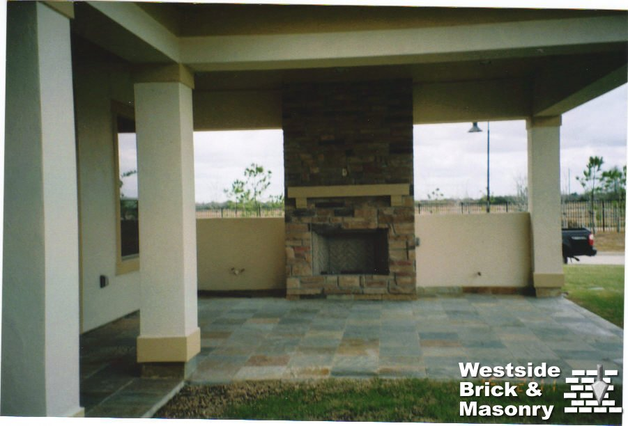 OUTDOOR-SLATE-PATIO-STONE-FIREPLACE